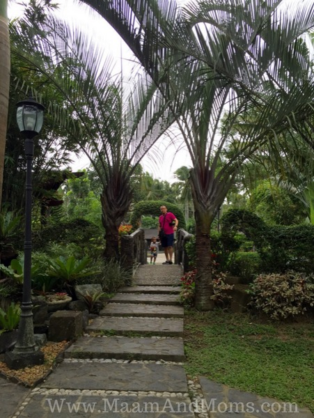 Cintai coritos garden entrance